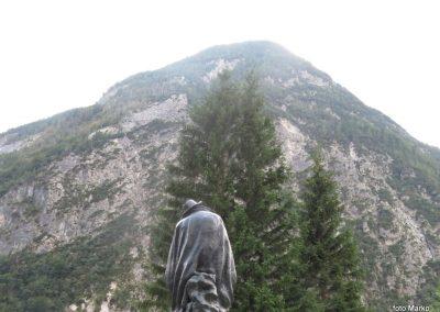 62 obiščemo še spomenik Juliusi Kugyju, 17.17