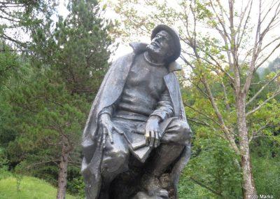 64 Julius Kugy zamaknjeno strmi v mogočni in njemu najlepši Jalovec