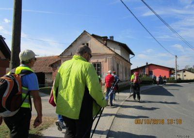 68 na poti od Dolge vasi do Velike Polane, v Mali Polani, 13.18