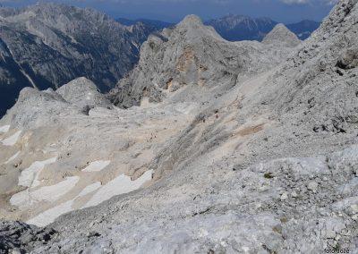 32 pogled s Kredarice na sever - pot od Begunjskega studenca na Kredarico, v sredini Begunjski vrh (2460m), desno Cmir (2391m), zadaj Kepa (2139m), 14.48