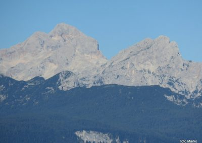05 VZPON NA STOL,na poti proti Zabreški planini - pogled na Rjavino in Triglav , 8.32