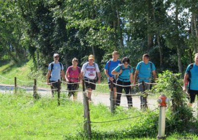 50 VZPON NA STOL, konec poti pri Završniškem jezeru - vrača se skupina, ki je bila na Stolu, 16.35